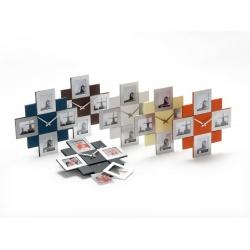 Čierne fotohodiny na 4 fotografie 8x8cm